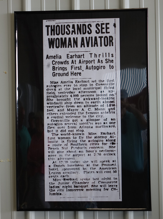 The aviator's gender probably wouldn't be mentioned today.
